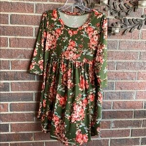 Jodifl green floral tunic top blouse size small